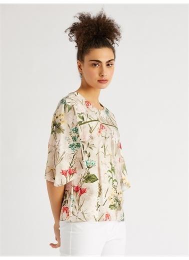 Vekem-Limited Edition Sıfır Yaka Çiçek Desenli Bluz Bej